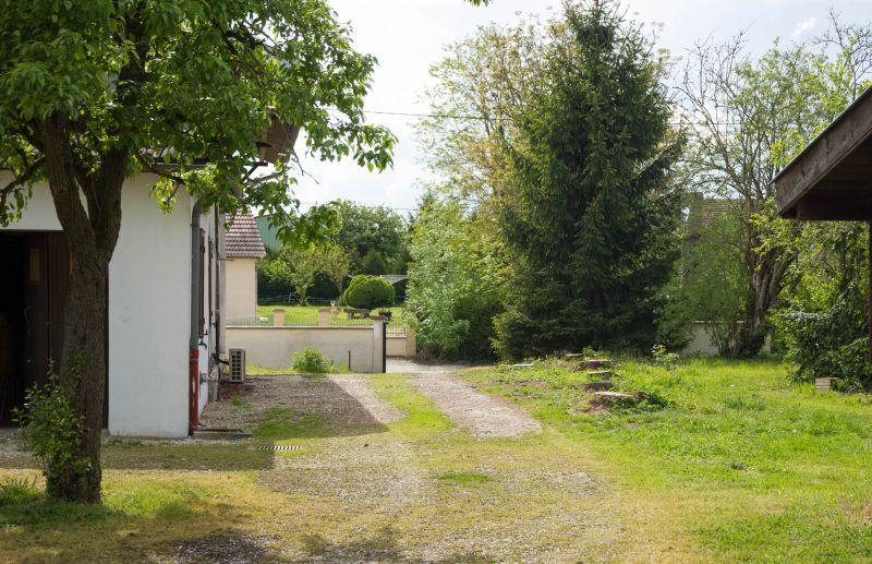 Vue extérieure de la location Location Gite 72063 Colombey-les-Deux-Églises
