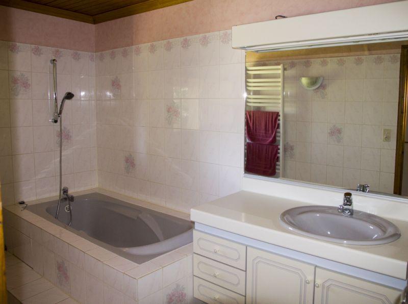 salle de bain 2 Location Gite 72063 Colombey-les-Deux-Églises
