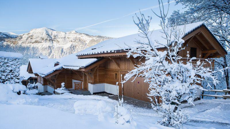 Vue extérieure de la location Location Chalet 90862 Les Carroz d'Araches