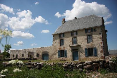 Vue ext�rieure de la location Location Gite 91413 Le Lioran