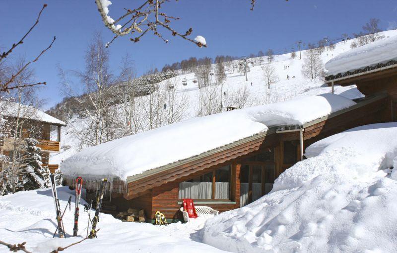 Vue extérieure de la location Location Chalet 93861 Les 2 Alpes