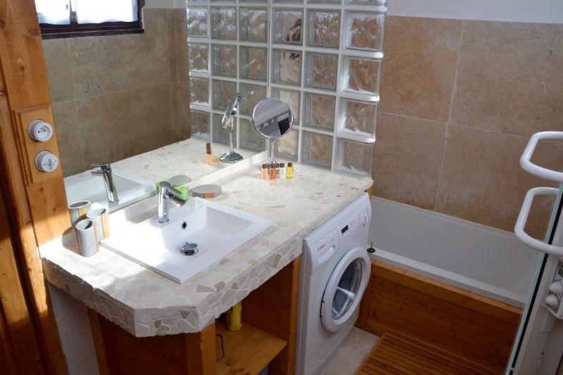salle de bain Location Appartement 105180 Les 2 Alpes