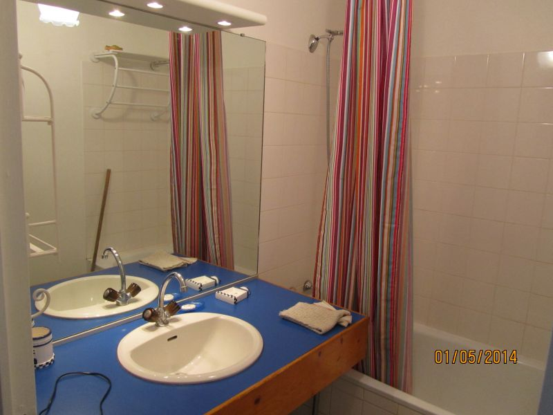 salle de bain Location Appartement 108015 Combrit