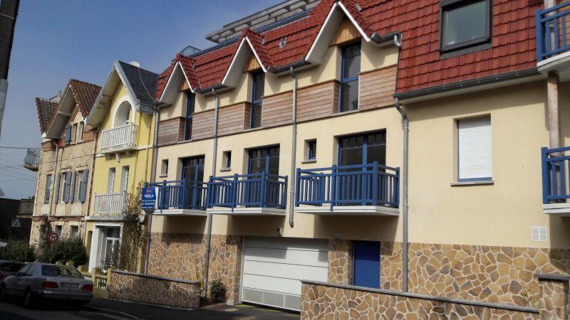 Vue extérieure de la location Location Appartement 108853 Wimereux