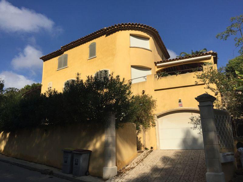 Vue extérieure de la location Location Villa 110191 Carry le Rouet