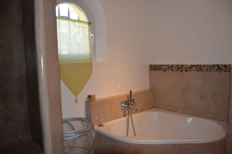 salle de bain 1 Location Villa 110191 Carry le Rouet