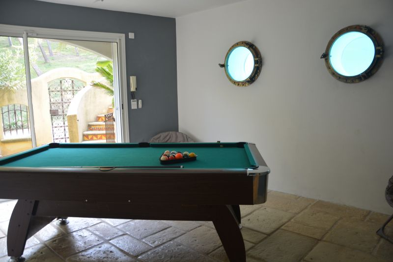 Salle de loisirs Location Villa 110191 Carry le Rouet
