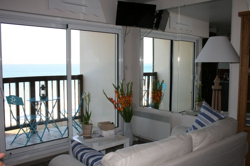 Salon Location Appartement 111139 Cabourg