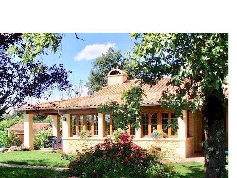 Vue extérieure de la location Location Chambre d'hôte 116605 Les Eyzies de Tayac