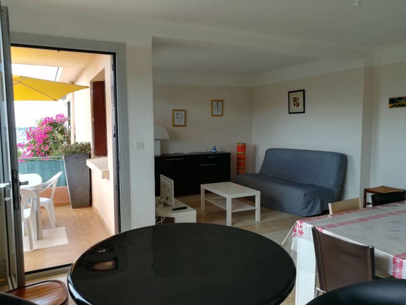Séjour Location Appartement 116725 Sanary