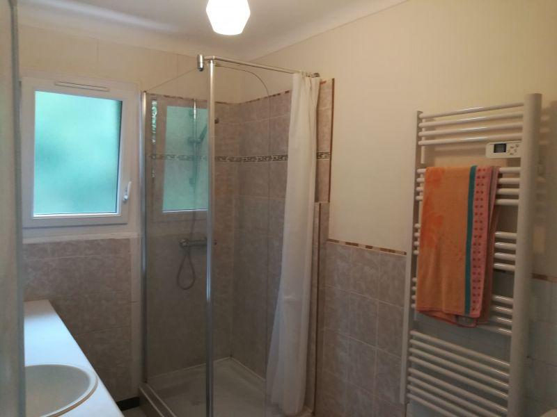 Salle d'eau Location Appartement 116725 Sanary