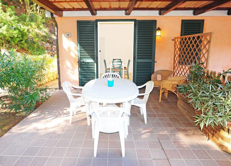 Vue extérieure de la location Location Appartement 117213 Rio nell'Elba