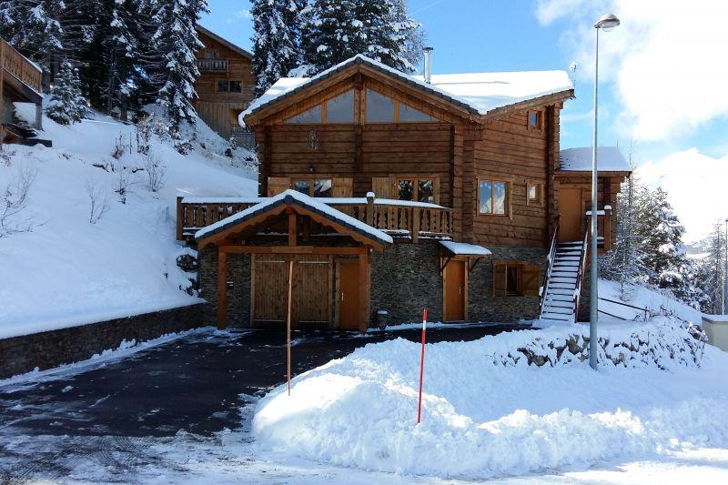 Vue extérieure de la location Location Chalet 65858 La joue du Loup