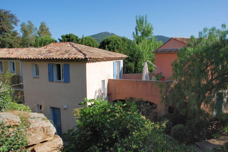 Vue extérieure de la location Location Maison 70377 Saint Tropez