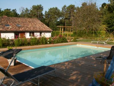 Piscine Location Maison 71055 Bordeaux