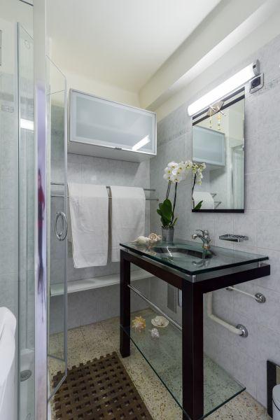 salle de bain Location Appartement 77050 Menton