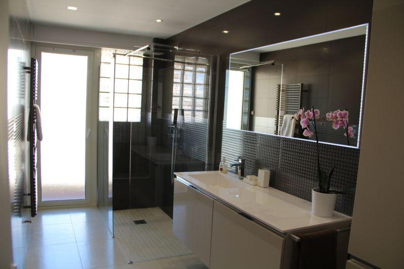 salle de bain Location Appartement 78148 Juan les Pins