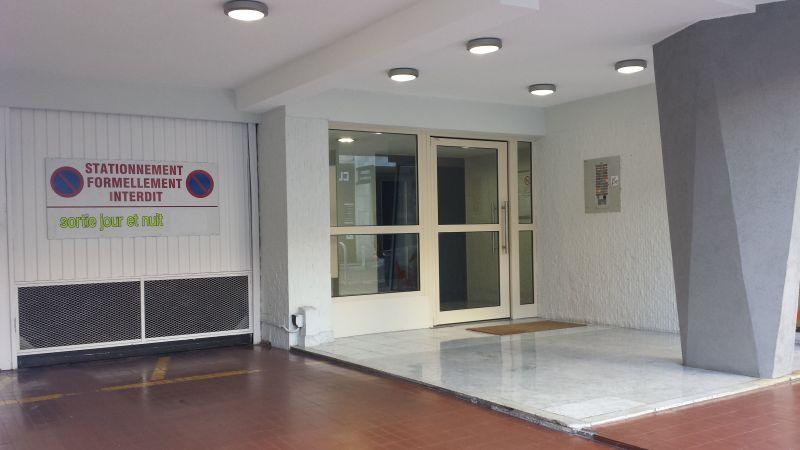 Vue extérieure de la location Location Appartement 78148 Juan les Pins