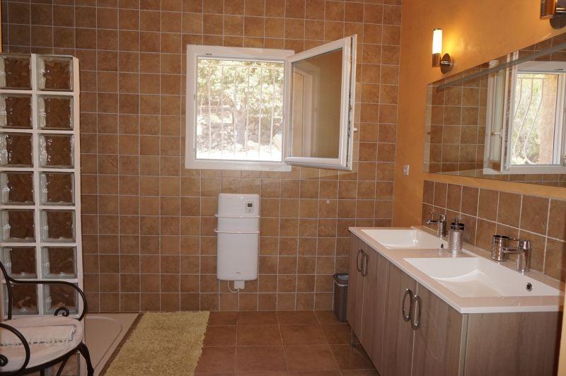 Salle d'eau 1 Location Villa 79457 Propriano