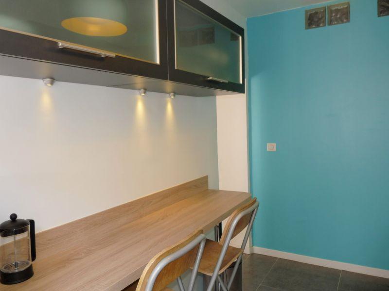 Cuisine indépendante Location Appartement 79579 Antibes