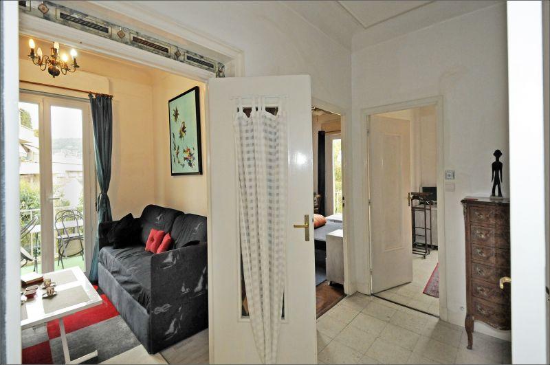 Entrée Location Appartement 82036 Nice