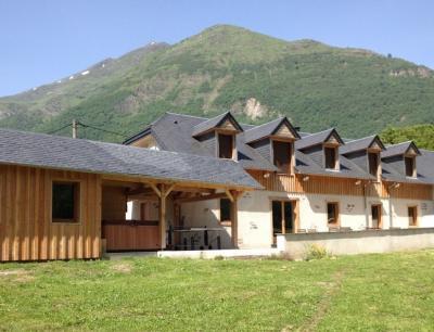 Vue ext�rieure de la location Location Chalet 88148 Luz Saint Sauveur