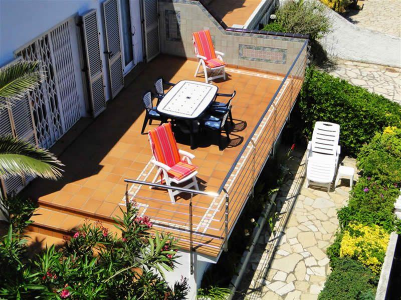 Vue extérieure de la location Location Appartement 93359 Llança