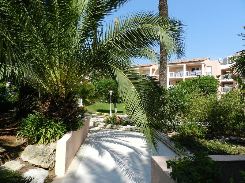 Jardin Location Appartement 94886 Golfe Juan