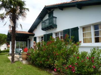 Vue ext�rieure de la location Location Villa 97516 Bidart