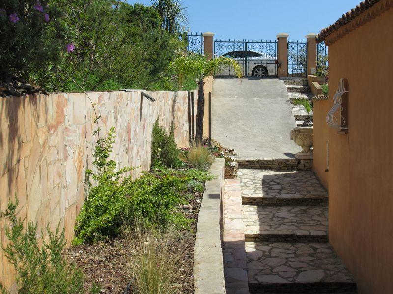 Entrée Location Villa 98154 La Londe les Maures