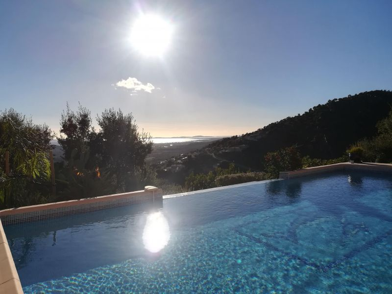 Piscine Location Villa 98154 La Londe les Maures