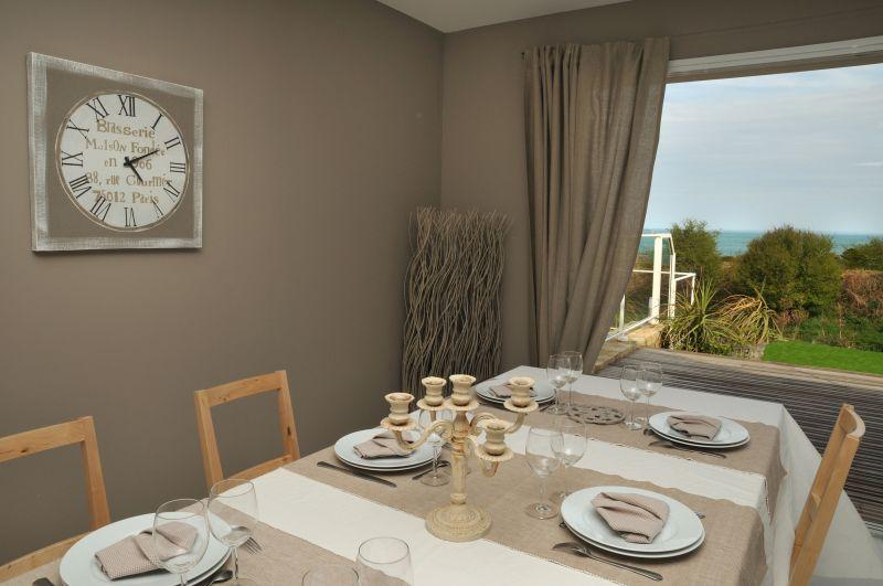 Salon Location Villa 102643 Roscoff