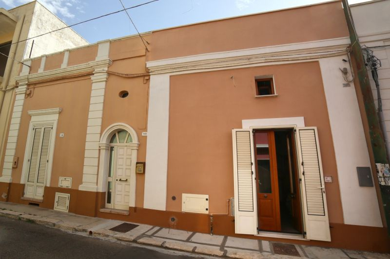 Vue extérieure de la location Location Maison 105614 Pescoluse