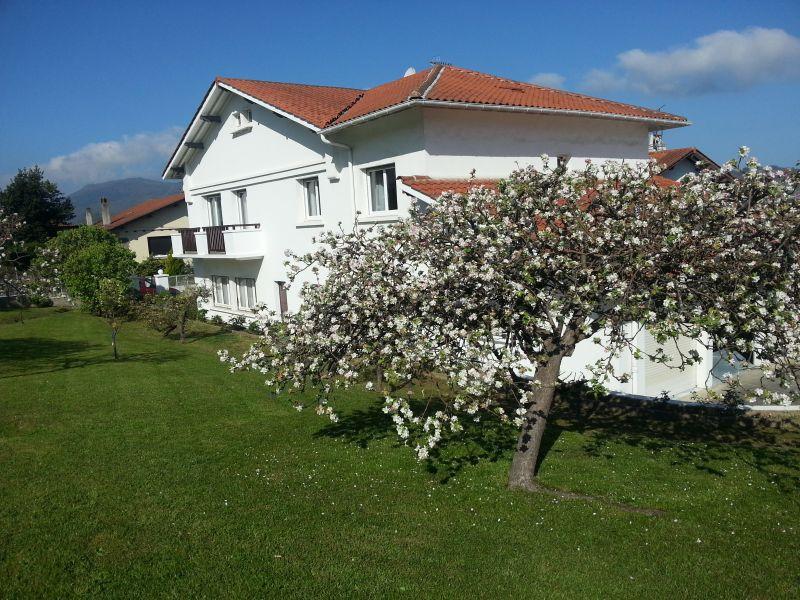 Vue extérieure de la location Location Appartement 108247 Hendaye