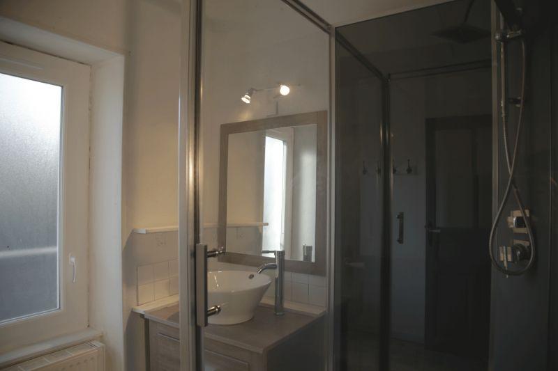 salle de bain 1 Location Gite 108589 Chatel-Guyon