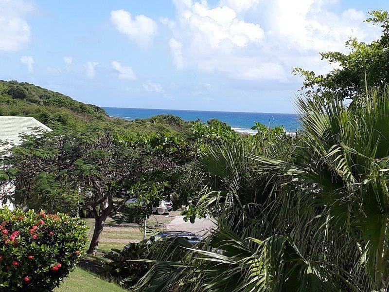 Vue de la terrasse Location Studio 114645 Saint Francois