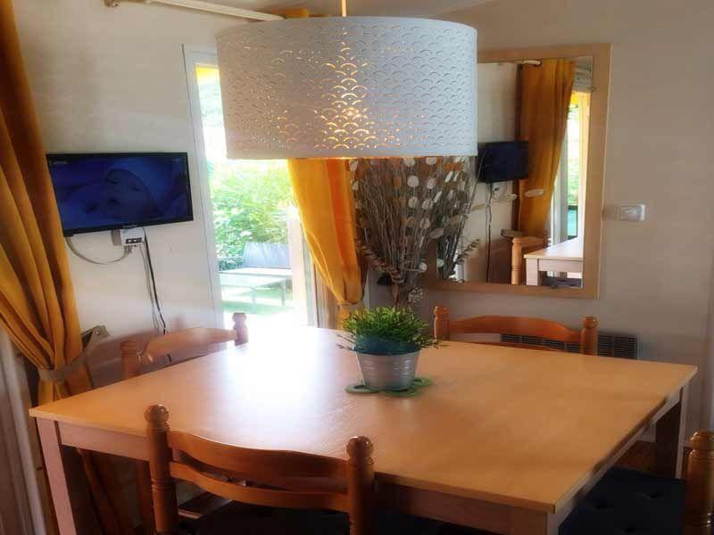 Salle à manger Location Mobil-home 116061 Fréjus