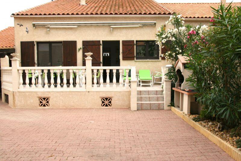 Vue extérieure de la location Location Villa 116530 Frontignan