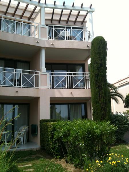 Vue extérieure de la location Location Appartement 73628 Cannes