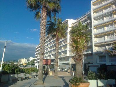 Vue extérieure de la location Location Appartement 82197 Juan les Pins