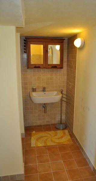 salle de bain Location Maison 83169 Pesaro