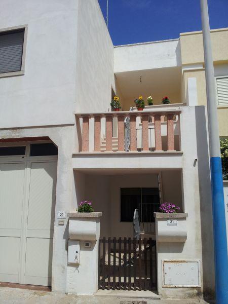 Vue extérieure de la location Location Appartement 83807 Torre Pali