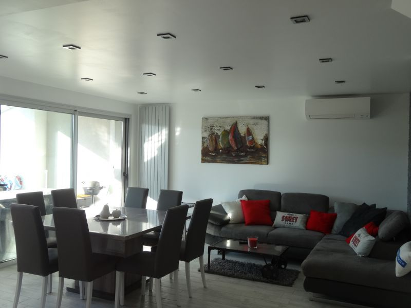 Salon Location Villa 92269 Grimaud