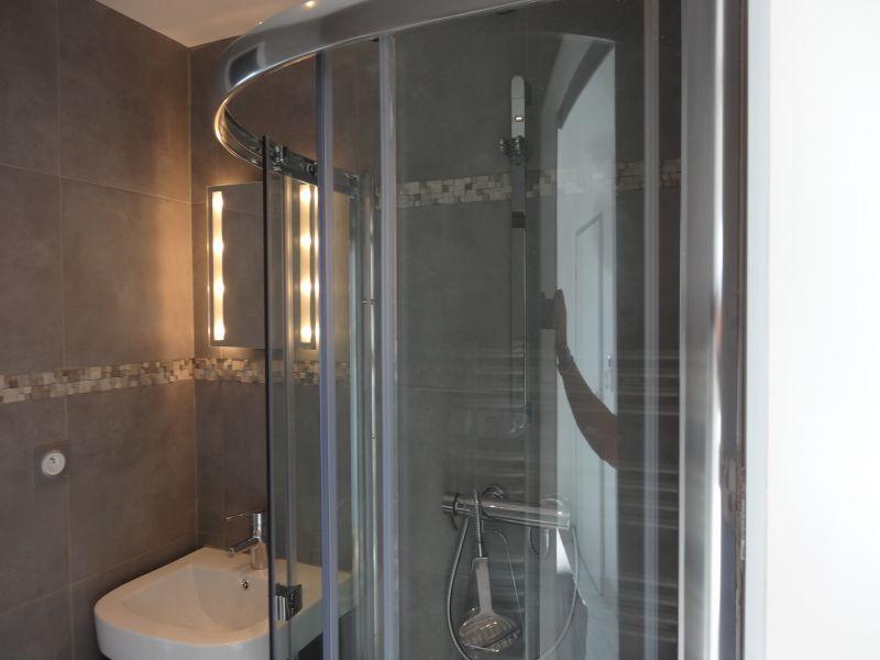 salle de bain 2 Location Villa 92269 Grimaud