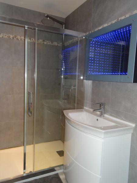 salle de bain 1 Location Villa 92269 Grimaud