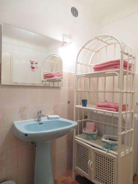 salle de bain Location Studio 92776 Cagnes sur Mer