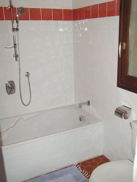 salle de bain 1 Location Villa 95613 Cotignac