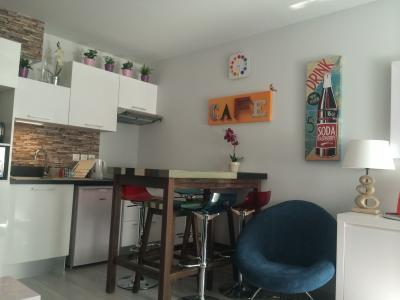 Salon Location Appartement 95670 Ax Les Thermes