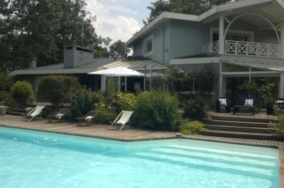 Vue ext�rieure de la location Location Villa 96185 Bordeaux